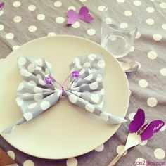 3 DIY Schmetterling thematische Geburtstagsfeiern - New Sites Napkin Origami, Fabric Origami, Origami Folding, Napkin Folding, Butterfly Party, Dollar Store Crafts, Deco Table, Flower Centerpieces, Rustic Christmas