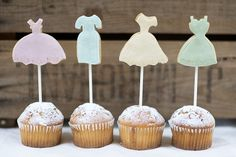 Bridesmaid cookie pops from Nila Holden