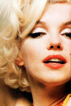 Marilyn Monroe - Home Marilyn Monroe Curves, Marilyn Monroe 1962, Marilyn Monroe Photos, Miss Monde, Famous In Love, Old Hollywood Stars, Norma Jeane, Diamond Are A Girls Best Friend, Beautiful Soul