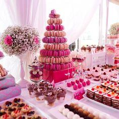 Lush asian wedding dessert table with unique treats- crystal cake Buffet Dessert, Candy Buffet, Dessert Food, Wedding Desserts, Wedding Cakes, Wedding Buffet Food, Buffet Chic, Decoration Buffet, Crystal Cake