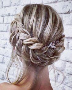 """411 To se mi líbí, 7 komentářů – Casarei (@casarei) na Instagramu: """"{Inspiração} Penteado divino com trança para as noivas de plantão. Pintetest"""""""