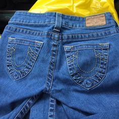 True religion boot cut size 27 Yellow stitching true religion boot cut jeans size 27. Regular Great condition True Religion Jeans Boot Cut