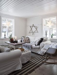 Joulukoti Ruotsista - A Beautiful Home in Sweden       Expressen                                                   Kuvat: Carina Olander