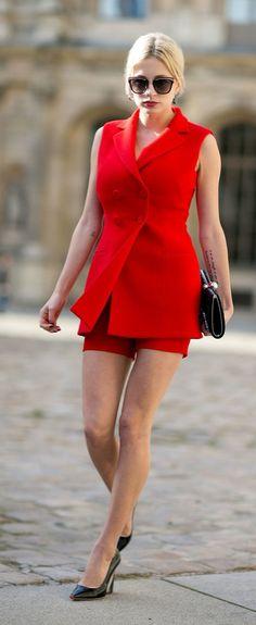 Paris Fashion Week street style: red shorts suit plus classic black pumps