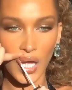 Smokey Eye Makeup, Skin Makeup, Eyeshadow Makeup, Beauty Makeup, Hair Beauty, Yellow Eyeshadow, Eyeshadow Palette, Makeup Tricks, Makeup Videos