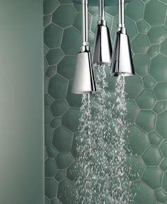 The Delta Zura Shower Head creates a unique look by incorporating geometric shapes into its design. It's a statement piece that will make your bathroom stand out. Water Plumbing, Bathroom Stand, Animal Room, Kitchen And Bath Design, Delta Faucets, Decks And Porches, Bathroom Inspiration, Bathroom Ideas, Wave Pattern