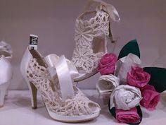 Éstos dos modelos de Angel Alarcón, además de preciosos, son ideales para la novia!!