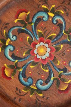 Beautiful Rosemaled Wooden Plate Norwegian Swedish Handpainted
