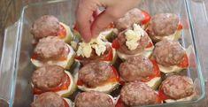 Pečené brambory s rajčaty a mletým masem jsou pochoutkou z jednoho pekáče - Svět kreativity Sausage, Ethnic Recipes, Food, Eten, Sausages, Meals, Diet