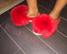 Fur Slides, Fox Fur, Diva, Slippers, Footwear, House, Instagram, Beautiful Shoes, Inside Shoes