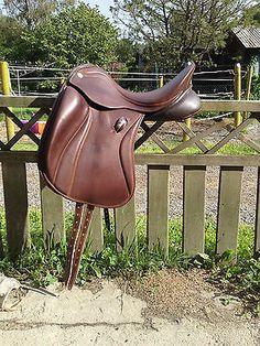 Zaldi SanJorge dressage saddle