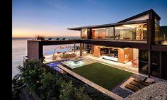 Outdoor , Extravagant Landscape Ideas for Best Beach Houses : Exclusive Luxury Beach House With Unique Design And Landscape Idea