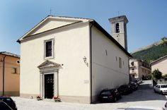 La Chiesa di San Carlo Borromeo che si trova a Poggiodomo, uno dei comuni più piccoli d`Italia e fa parte dell'originario nucleo del castello medievale.  La Chiesa di San Carlo Borromeo presenta l`interno a navata unica, con nove altari lignei barocchi dei sec. XVII e XVIII, donati da famiglie del luogo.
