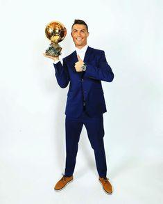 Cristiano Ronaldo wins fourth Ballon d'Or Cr7 Vs Messi, Cr7 Ronaldo, Cristiano Ronaldo 7, Soccer Post, Ronaldo Real Madrid, Ballon D'or, Good Soccer Players, Sports Celebrities, American Football