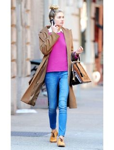 Simple and stylish weekend wear. A great saturday shopping look.