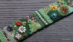 *Blumengarten* Armband in Perlenstickerei von elfenzauber auf DaWanda.com