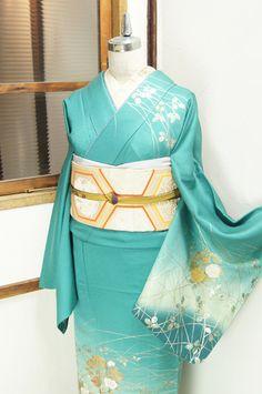 shimaiya: Houmongi seti (çiçek Asagi Hanano oynamak bulanık) - antik kimono / geri dönüşüm kimono Online alışveriş ■ □ Shimai-ya □ ■ net olasılıkla bir bant ile yeşil güzel tonları, kılıf ve rüzgar derin mavililerin oldu emdi narin Csaba deseni böyle antika mücevher olarak dört mevsim, bir onurlu şamandıra Houmongi gibi tam bir altın da mallar genellikle parlak çiçek çiçek Marubun olduğunu şişmiş olarak Somedasa böyle olduğunu.  Shimaiya krem ve altın arasındaki bir obi ile bu hassas…