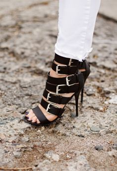 I need these shoes!!