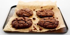 Cookies croustillants choco Cookies Et Biscuits, Baked Goods, Muffins, Food And Drink, Chocolate, Baking, Drizzle Cake, Sweet Recipes, Muffin