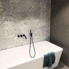 Norwegian House, Dere, Sink, Bathtub, Bathroom, Home Decor, Instagram, Sink Tops, Standing Bath
