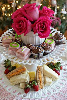 A Little Loveliness: Tea Time... Christmas Tea Time