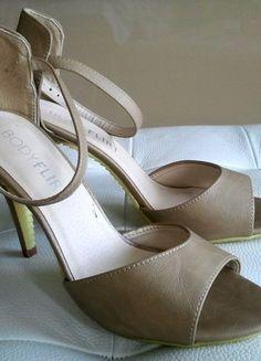 Kup mój przedmiot na #vintedpl http://www.vinted.pl/damskie-obuwie/na-wysokim-obcasie/7661461-sandaly-szpilki-bezowe-zolte-obcasy