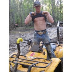 Page for viewers who like to see Cowboys and Country Boys Geared Up. Cow Boys, Farm Boys, Cute Country Boys, Country Men, Country Life, Country Quotes, Redneck Boys, Boy Tumblr, Frat Guys