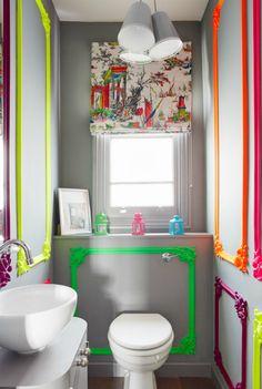 Декоративные молдинги .Декоративные молдинги - простой и весьма бюджетный способ декора стен. На современном рынке стройматериалов существует огромное количество видов и размеров молдингов, также их легко красить и монтировать, создавая свой уникальный дизайн стен.