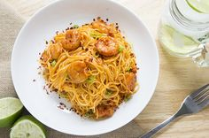 Bang Bang Shrimp Pasta   ::::  on the table quick... only 350 Calories ....  sub EVOO to taste in place of mayo