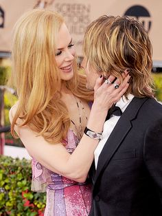 Keith Urban and Nicole Kidman Couldn't Keep Their Hands Off Each Other During the SAG Awards http://www.people.com/people/package/article/0,,20979782_20983631,00.html
