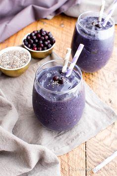 Paleo Blueberry Banana Chia Smoothie (V, GF, Paleo): a 4-ingredient recipe for antioxidant-rich and refreshing blueberry banana chia smoothies. #Vegan #GlutenFree #DairyFree | BeamingBaker.com