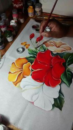 #pinturasobretela Art Painting Gallery, Tole Painting, Fabric Painting, Fabric Art, Fabric Paint Designs, Art Folder, Art Decor, Decoration, Painting Patterns