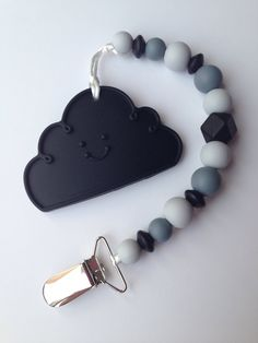 Silikon Schnuller Clip / Black Rain Cloud Beißring / Graustufen Schnuller Clip - Baby Girl / Boy - Binky Clip - Paci Clip - Chew Beads - DIY soother clips and teethers - Teething Jewelry, Teething Beads, Teething Necklace, Teething Toys, Shades Of Grey, Baby Teethers, Newborn Gifts, Baby Accessories, Baby Love