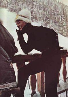 Best Ideas For Fashion Winter Snow Ski Wear Ski Fashion, Grey Fashion, Winter Fashion, Vintage Fashion, Casual Asian Fashion, Apres Ski Party, Fashion Show Poster, Vintage Ski, Vintage Black