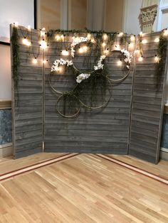 Rustic Backdrop – Rustic Homes Wedding Photo Booth, Wedding Stage, Fall Wedding, Rustic Wedding, Dream Wedding, Wedding Photo Background, Church Wedding, Outdoor Wedding Decorations, Backdrop Decorations