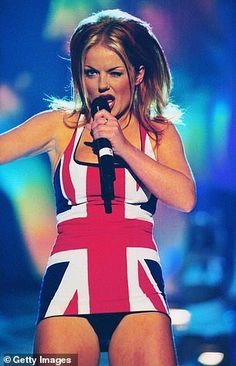 Perhaps there is no more iconic image of Girl Power than Geri Halliwell in her Union Jack dress at the 1997 Brit Awards. 90s Fashion, Girl Fashion, Fashion Trends, Vikki Dougan, Union Jack Dress, Geri Horner, Geri Halliwell, Spice Girls, Girl Bands