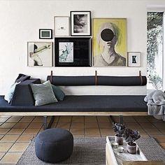 Ny arkitektur: Frank Lloyd Wrights mesterværk i Silkeborg Sofa Inspiration, Living Room Inspiration, Modern Gallery Wall, Minimalist Sofa, Frank Lloyd Wright, Living Room Remodel, Living Spaces, Furniture Design, Decoration