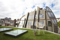 Artificial lawn on roof terrace