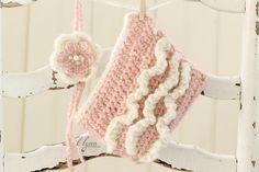 Baby girl clothes,Newborn crochet set,Newborn photo prop,Flower tie back,Ruffled diaper cover,Pink diaper cover, Newborn girl set - pinned by pin4etsy.com