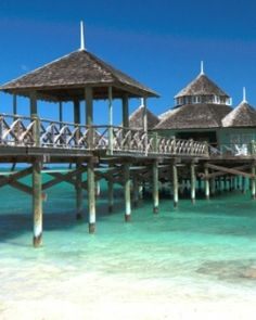 Kamalame Cay is a stylish private resort with just 21 expansive cottages, villas and suites. #Jetsetter
