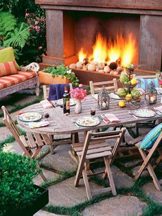 Now there's the perfect #backyard to entertain in. #outdoordecor http://www.womansday.com/food-recipes/cooking-tips-shortcuts/outdoor-entertaining