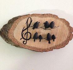 Blackbird song pebble art on wood sliceStone black birds Pebble Painting, Pebble Art, Stone Painting, Painting On Wood, Wood Slice Crafts, Wood Burning Crafts, Wooden Crafts, Stone Crafts, Rock Crafts