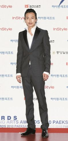 Kim Nam-gil's first step back into spotlight (after serving 2 years in the Army).  He was discharged on July 14, 2012.