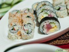 3 Ways to Roll Sushi - wikiHow