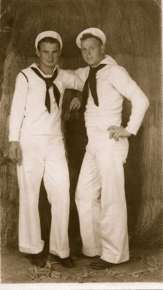 Swear Like a Sailor Vintage Sailor, Vintage Men, Vintage Beauty, Vintage Photographs, Vintage Photos, Navy Sailor, Navy Man, Cute Gay Couples, Men In Uniform