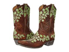 Beautiful floral embroidered cowboy boots from Old Gringo. #country #boots #shoelove
