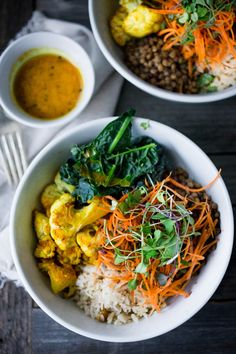 Fall Nourish Bowl with Roasted Cauliflower, Kale, carrots and spiced Lentils with a healing Turmeric Dressing! PLUS 15 COZY FALL DINNERS That ARE Vegetarian ! bowl 20 Vegetarian Dinner Recipes for Fall Cauliflower Curry, Roasted Cauliflower, Whole Food Recipes, Healthy Recipes, Fast Recipes, Delicious Recipes, Tasty, Vegetarian Recipes Dinner, Vegetarian Cookbook