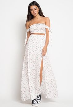 144bc6b8f566 CALIstyle Summer Cool 2 Piece Set In White Floral. Stropløs KjoleKvindemodeCool  ...