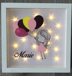 Beleuchteter Bilderrahmen mit Luftballonmädchen und Name, Nachtlicht, Geschenk Geburtstag, Geburt oder Taufe von JonapWohnmanufaktur auf Etsy
