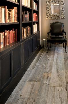 Ernest reprin: Grey barnwood floors this gives me naughty ideas for my house. - Home FTH - Home Decor Ideas Grey Wood Floors, Solid Wood Flooring, Grey Flooring, Flooring Ideas, Types Of Wood Flooring, Walnut Floors, Parquet Flooring, Style At Home, Wooden Walls